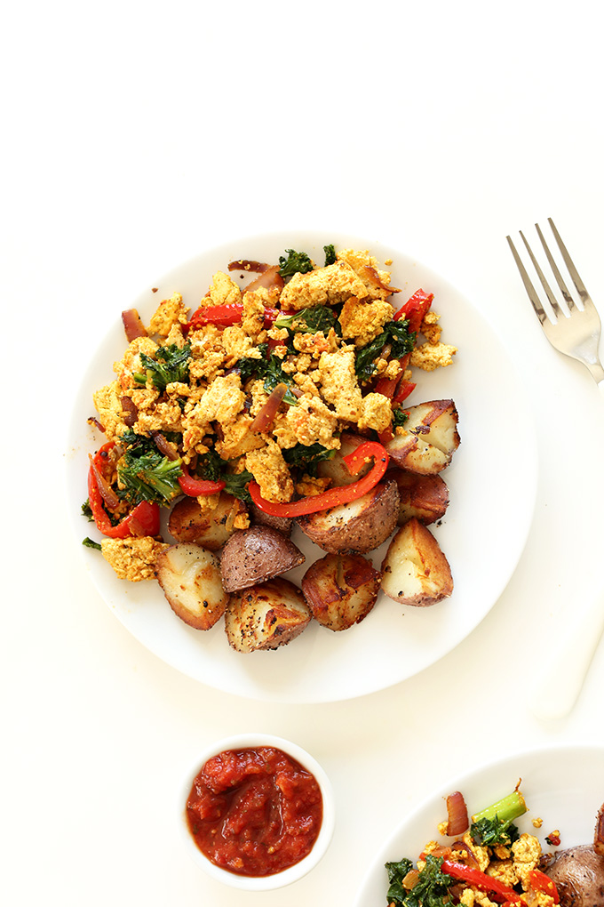 Healthy breakfast tofu scramble