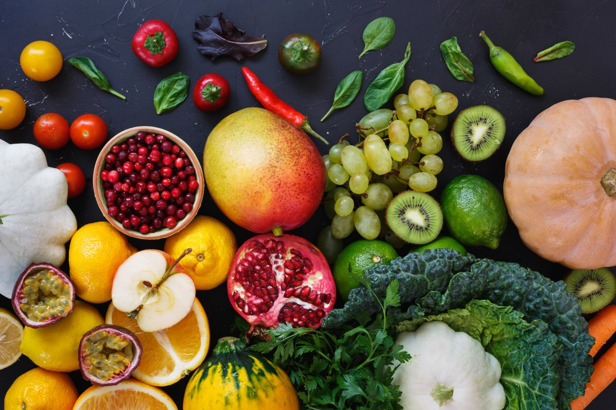 Fruits and vegetables high in antioxidants