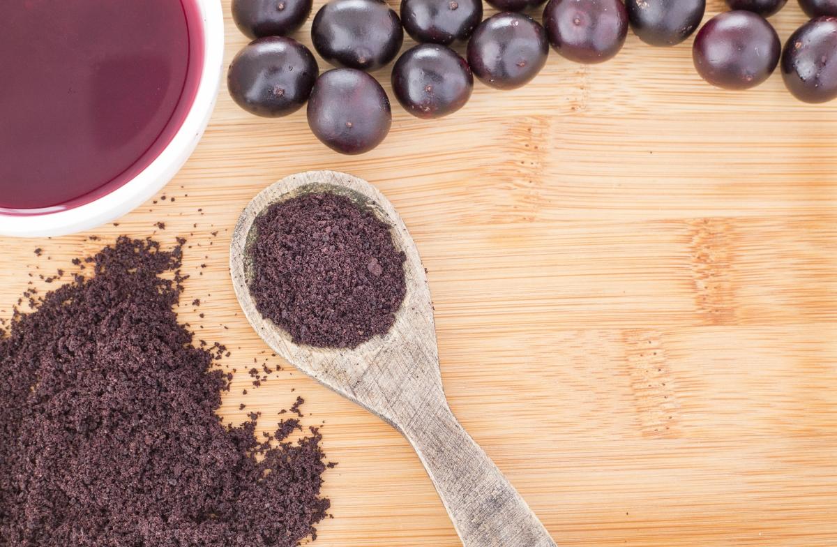 Acai berry powder and juice