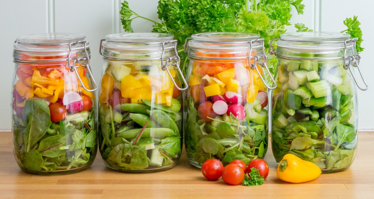 4th of July ideas: Salads in mason jars