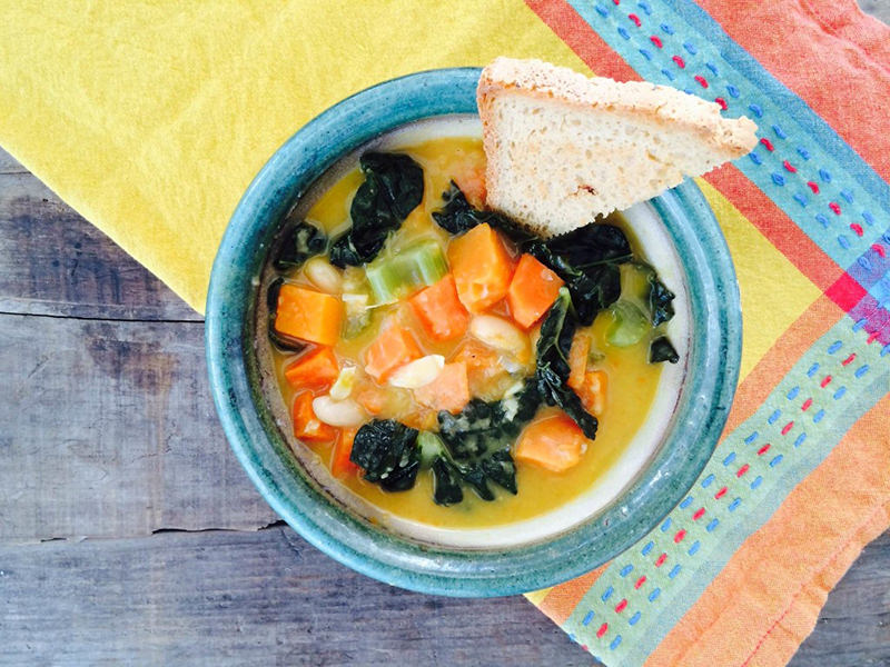 Tuscan Kale & Cannellini Soup