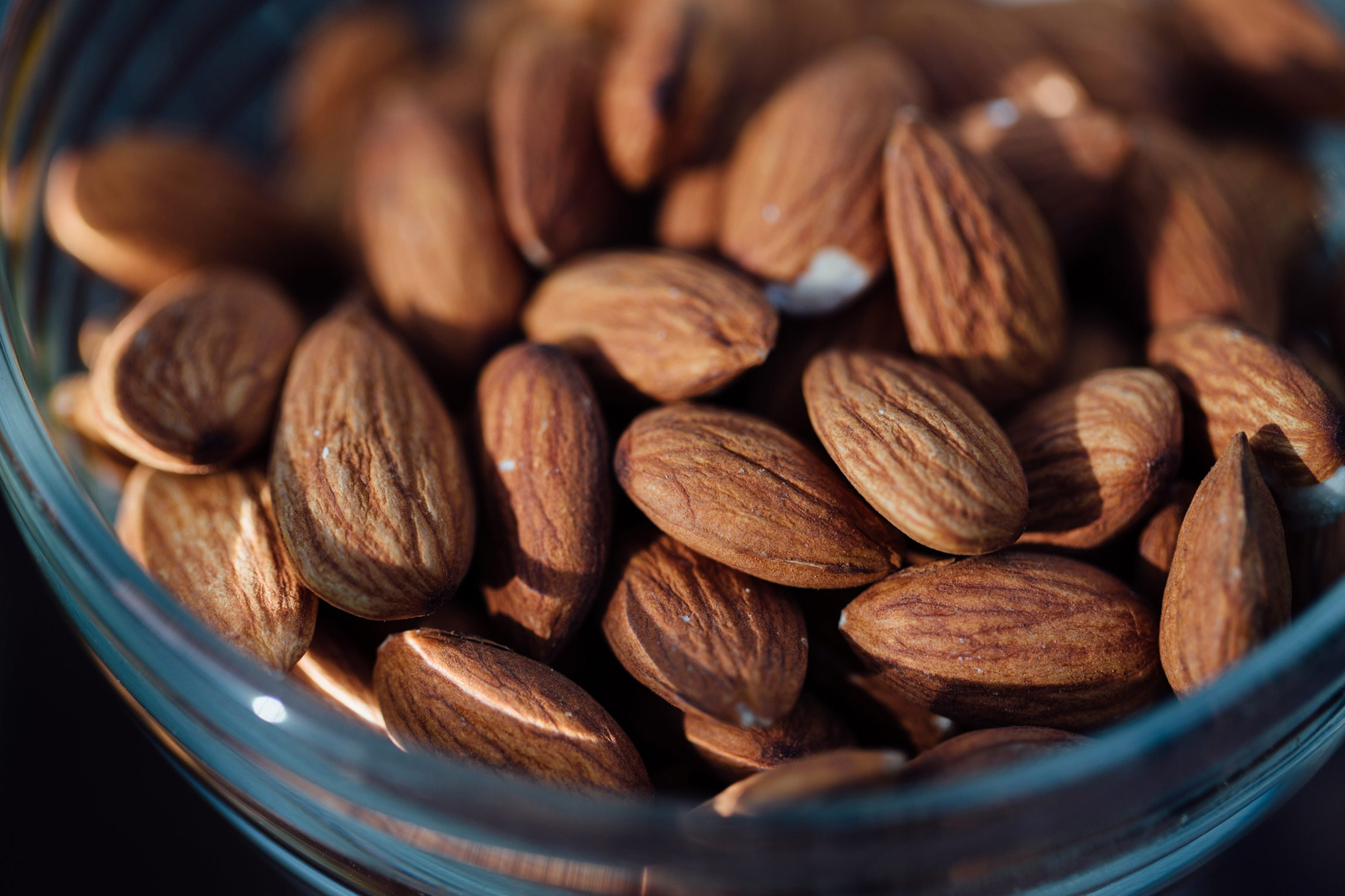 health benefits of almonds: eye health