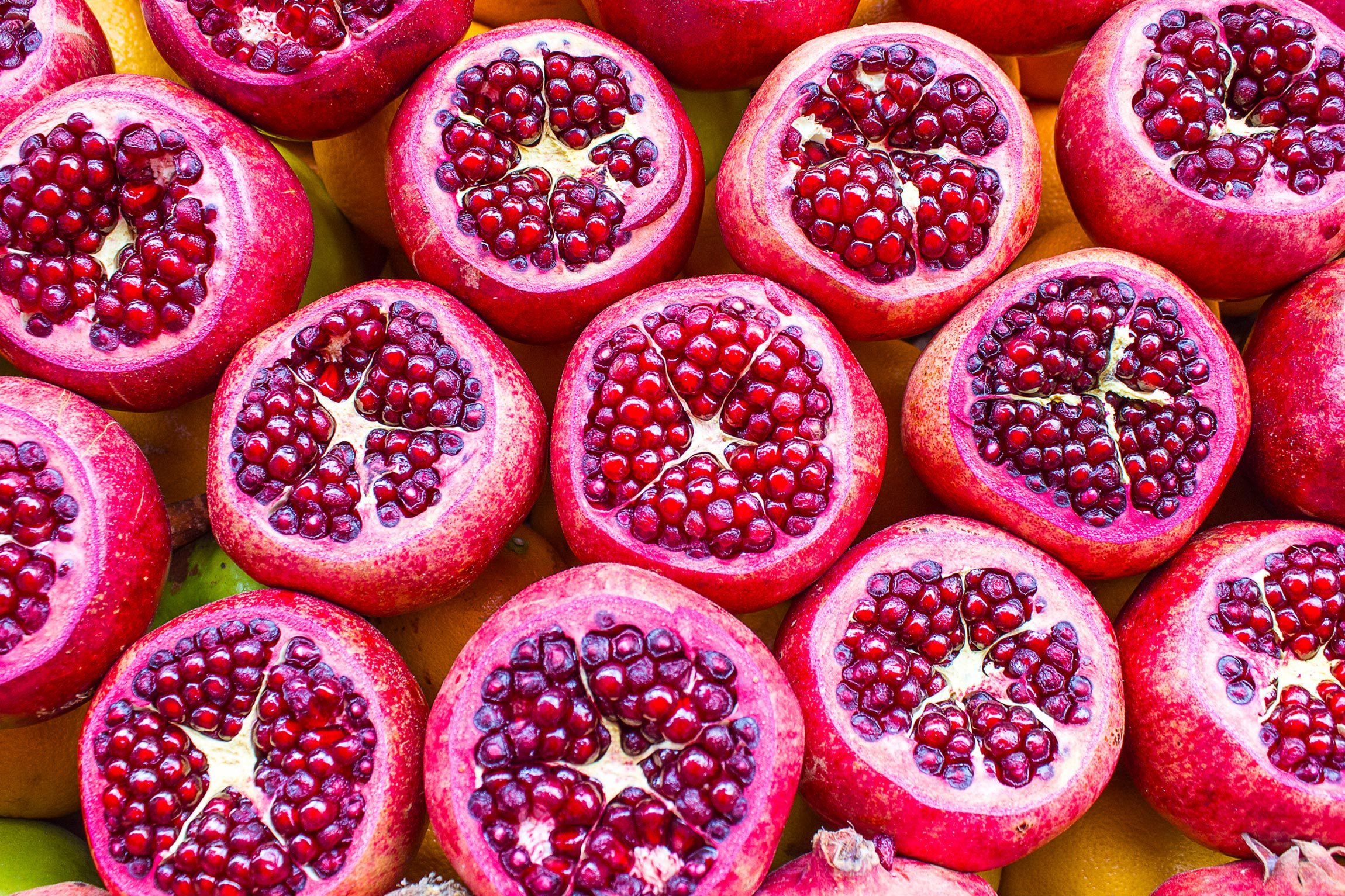 Foods for healthy skin - pomegranates
