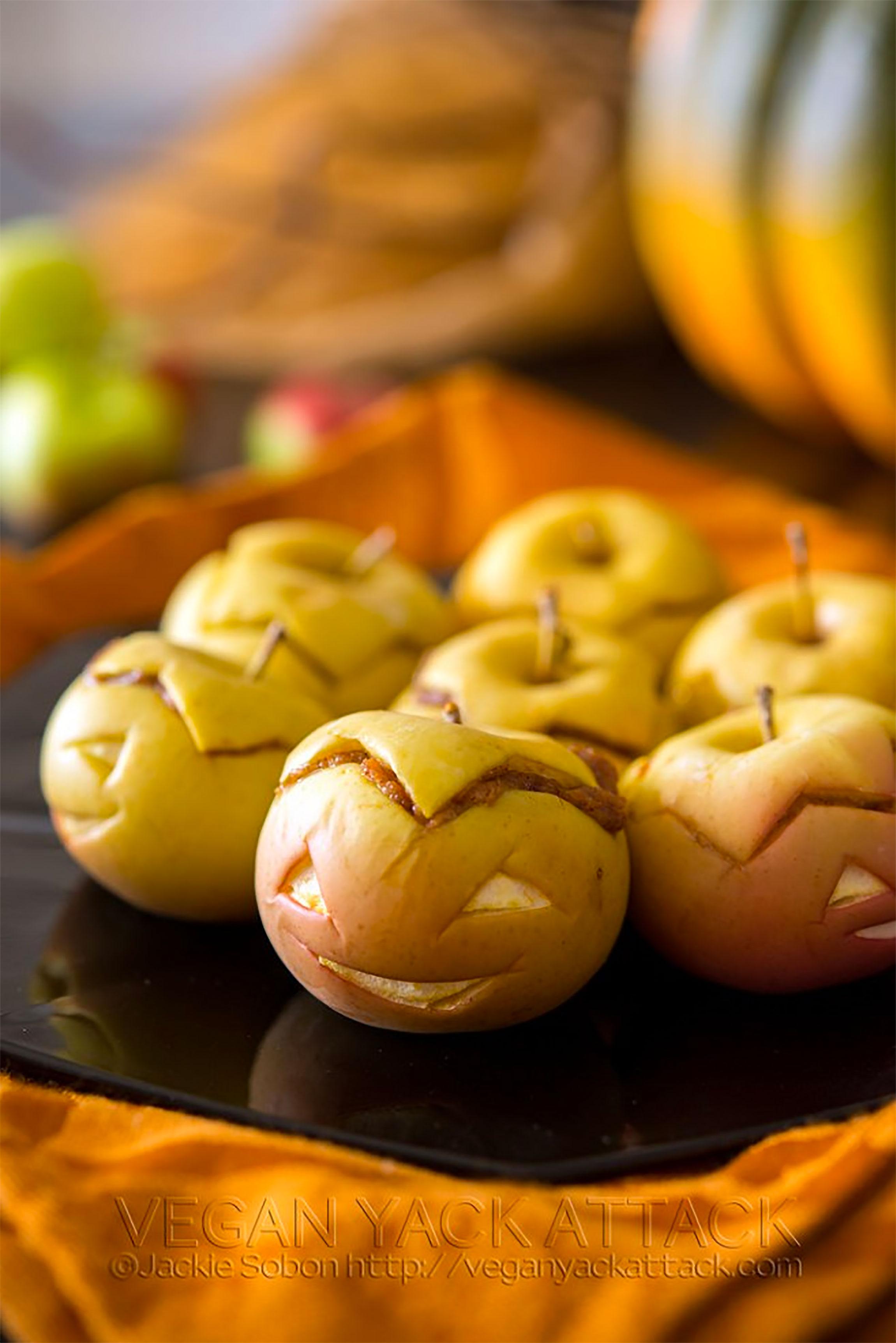 Healthy Halloween Snacks & Treats: Peanut Butter Apple Lanterns