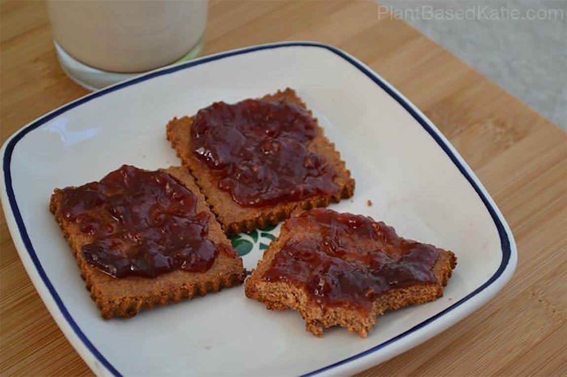 graham crackers with jelly - healthy holiday recipes