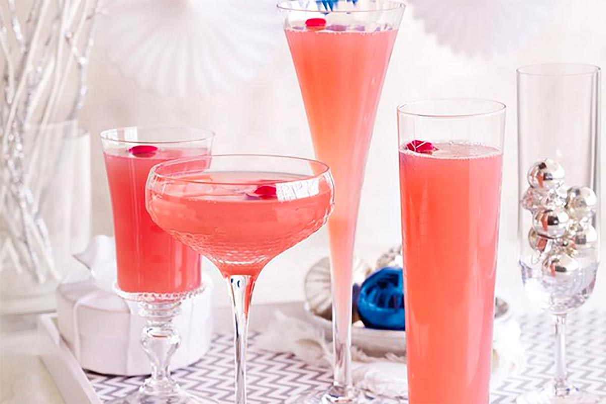 glasses of sparkling juice - healthy holiday recipes