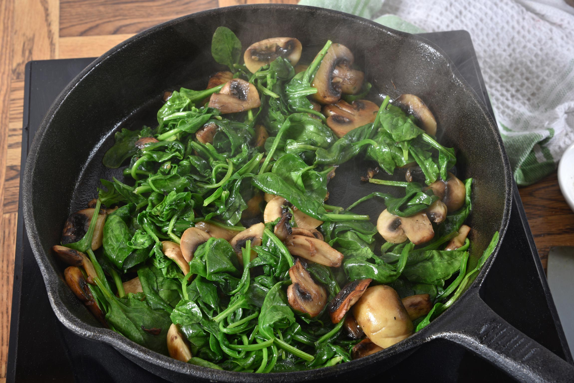 Raw vs Cooked Vegetables: The Healthiest Ways to Eat Your Veggies