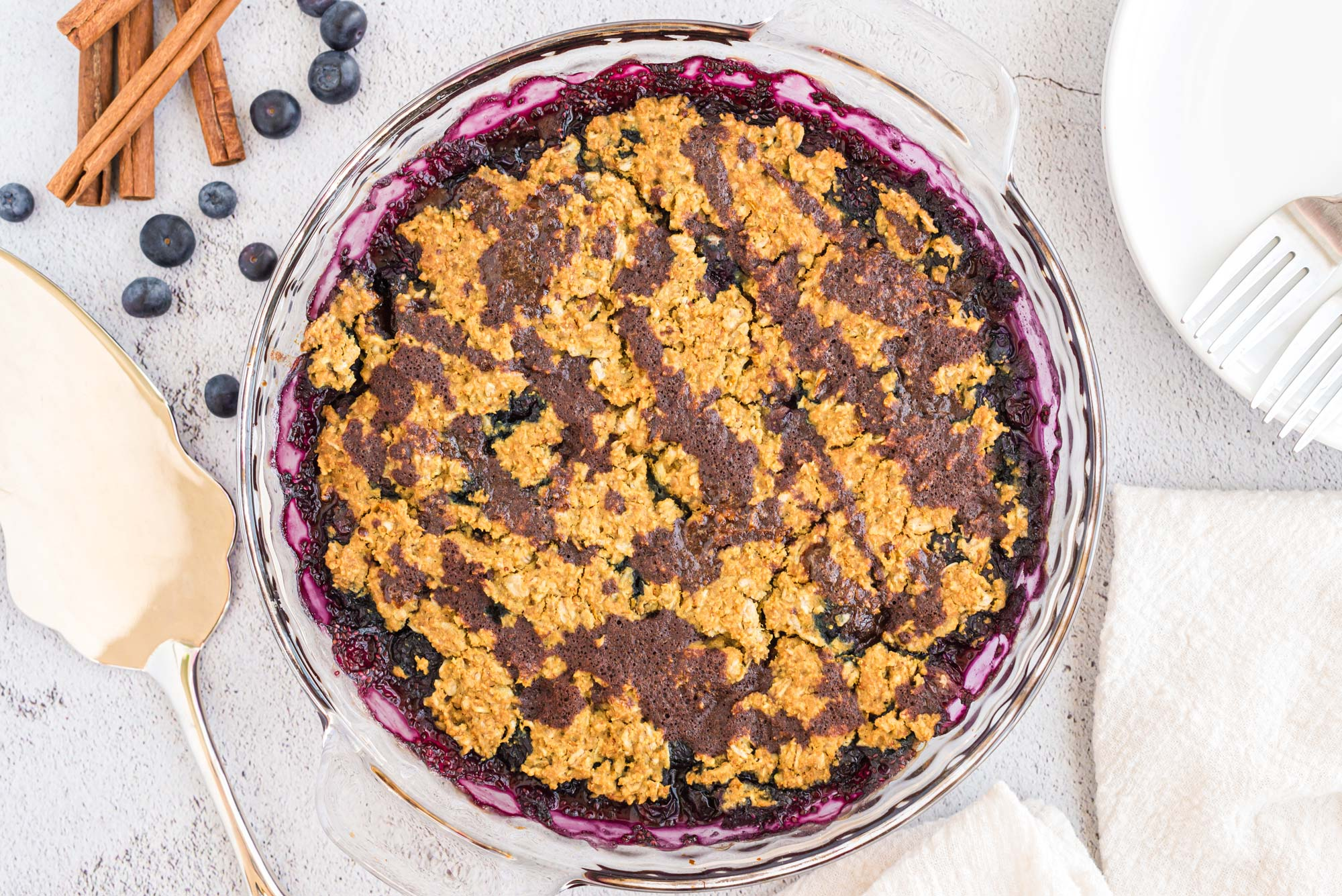 Blueberry chia oat crumble