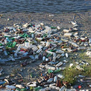 Bottled water is pollution our oceans