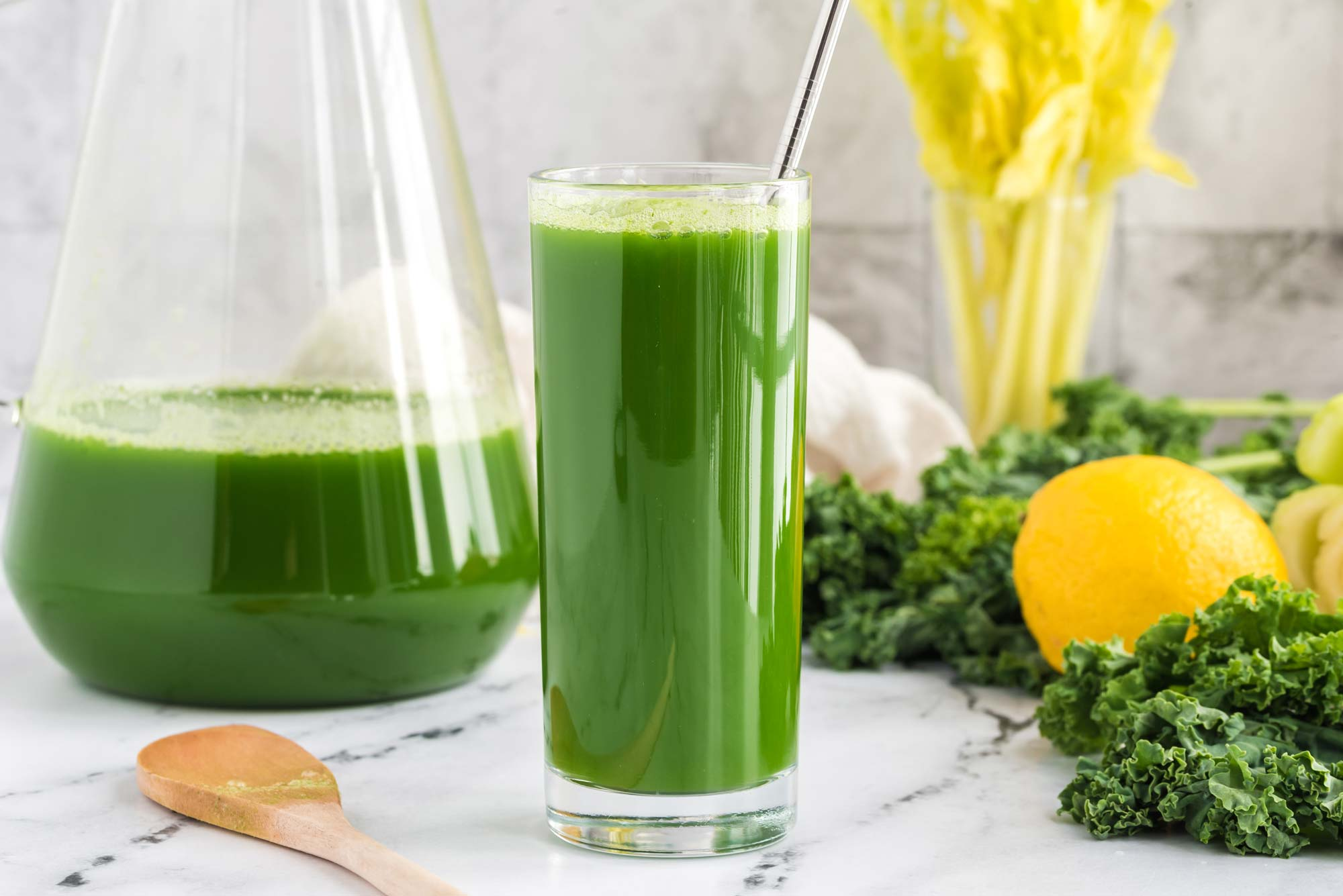 green goodness juice in glass