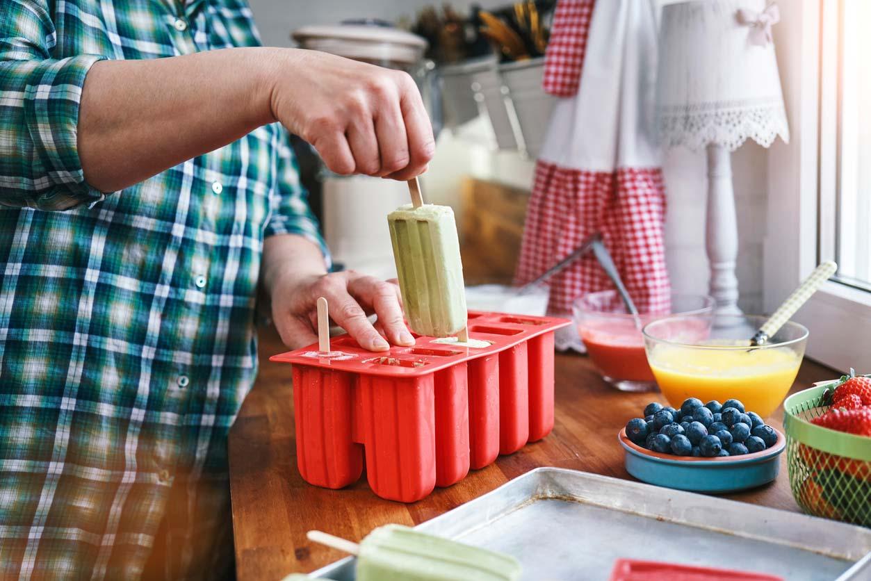 preparing healthy homemade popsicles