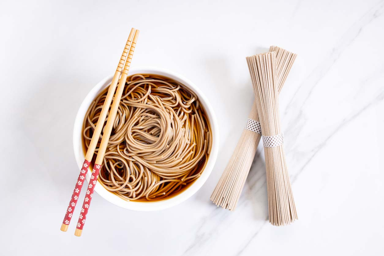 Soba Noodles in bowl and dry