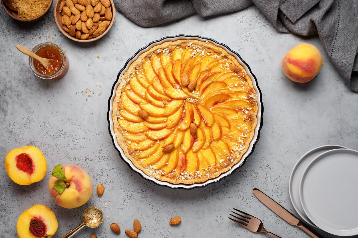warm desserts like peach cakes with almonds