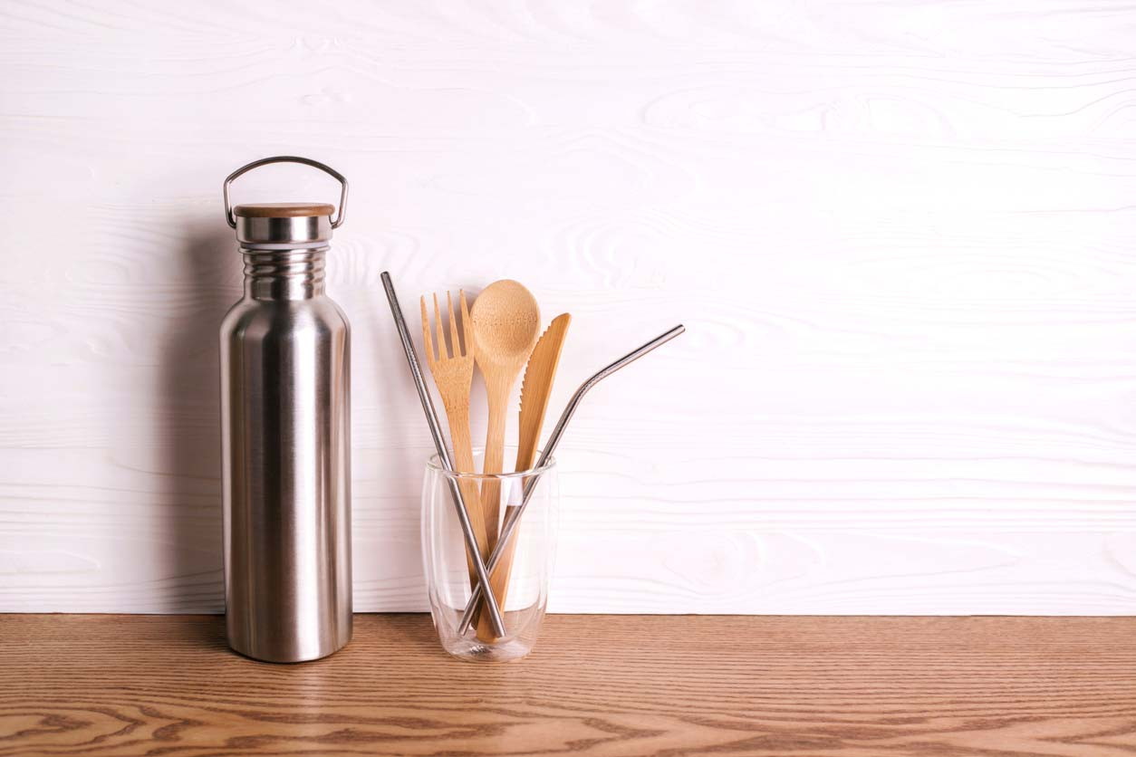 Plastic-free utensils and drinkware