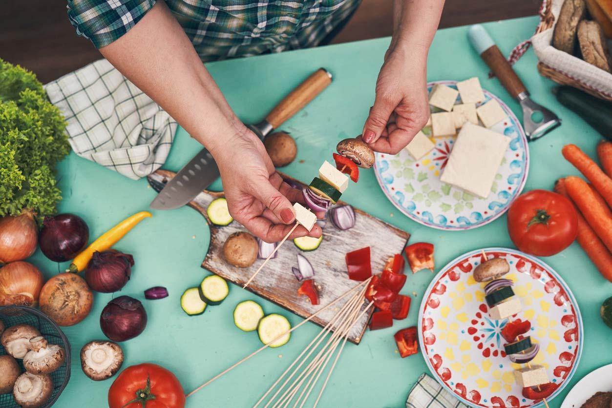 preparing vegan skewers
