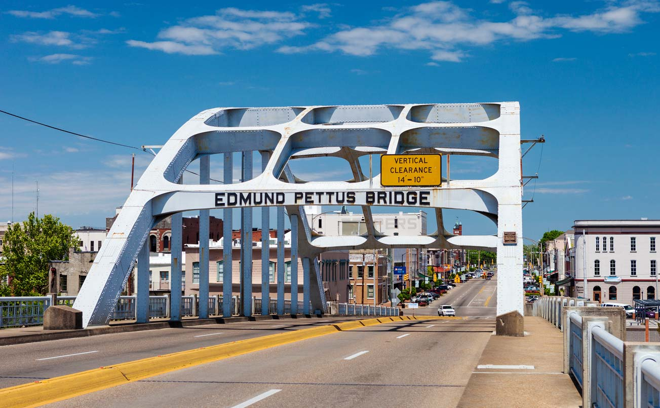 edmund pettus bridge in selma, alabama