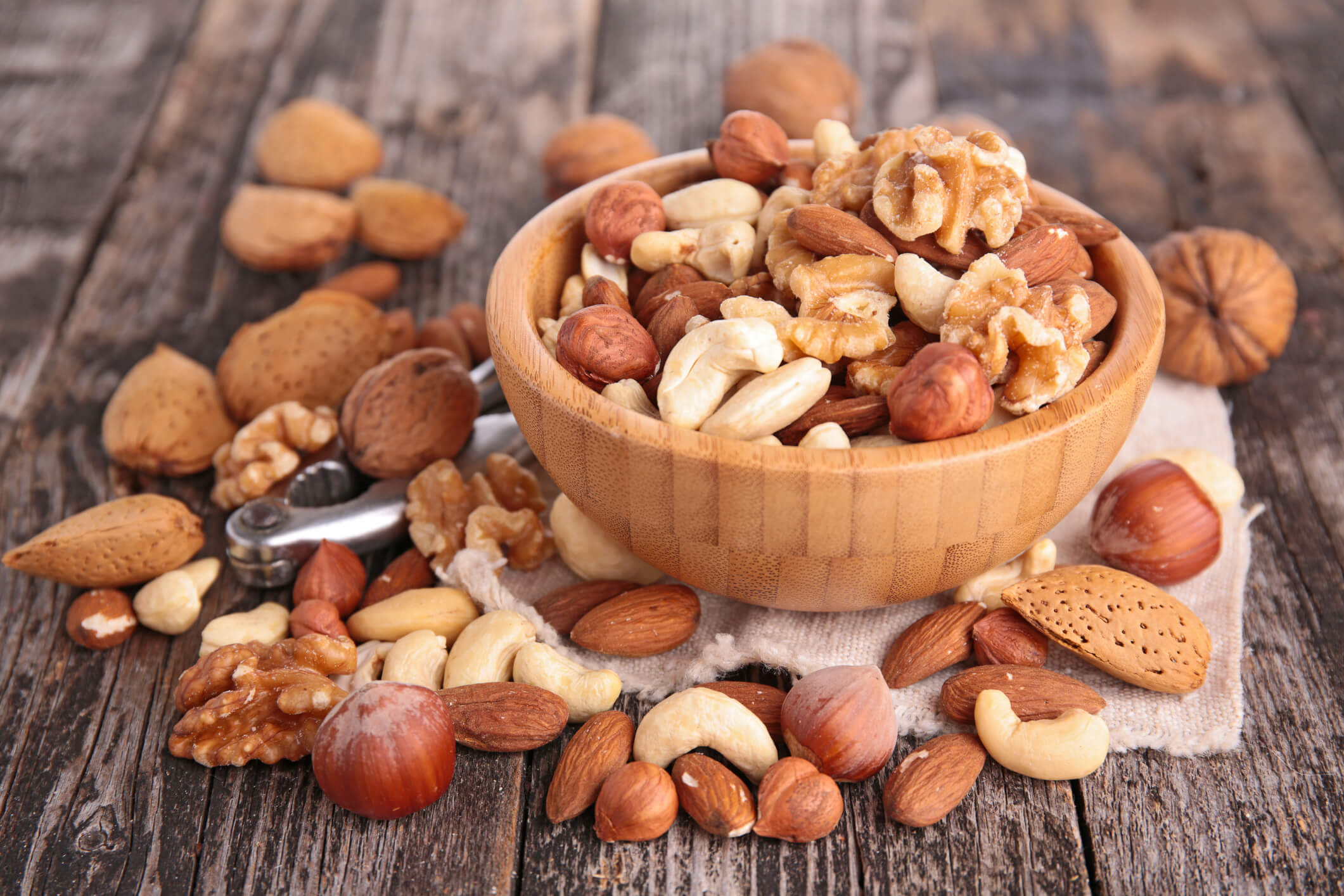 Prevent cancer by eating nuts
