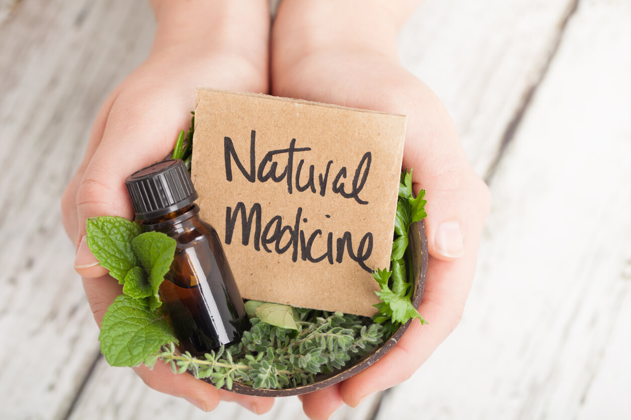 natural medicine resources: oil and herbs