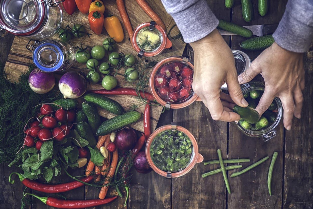 marinating vegetables in jars