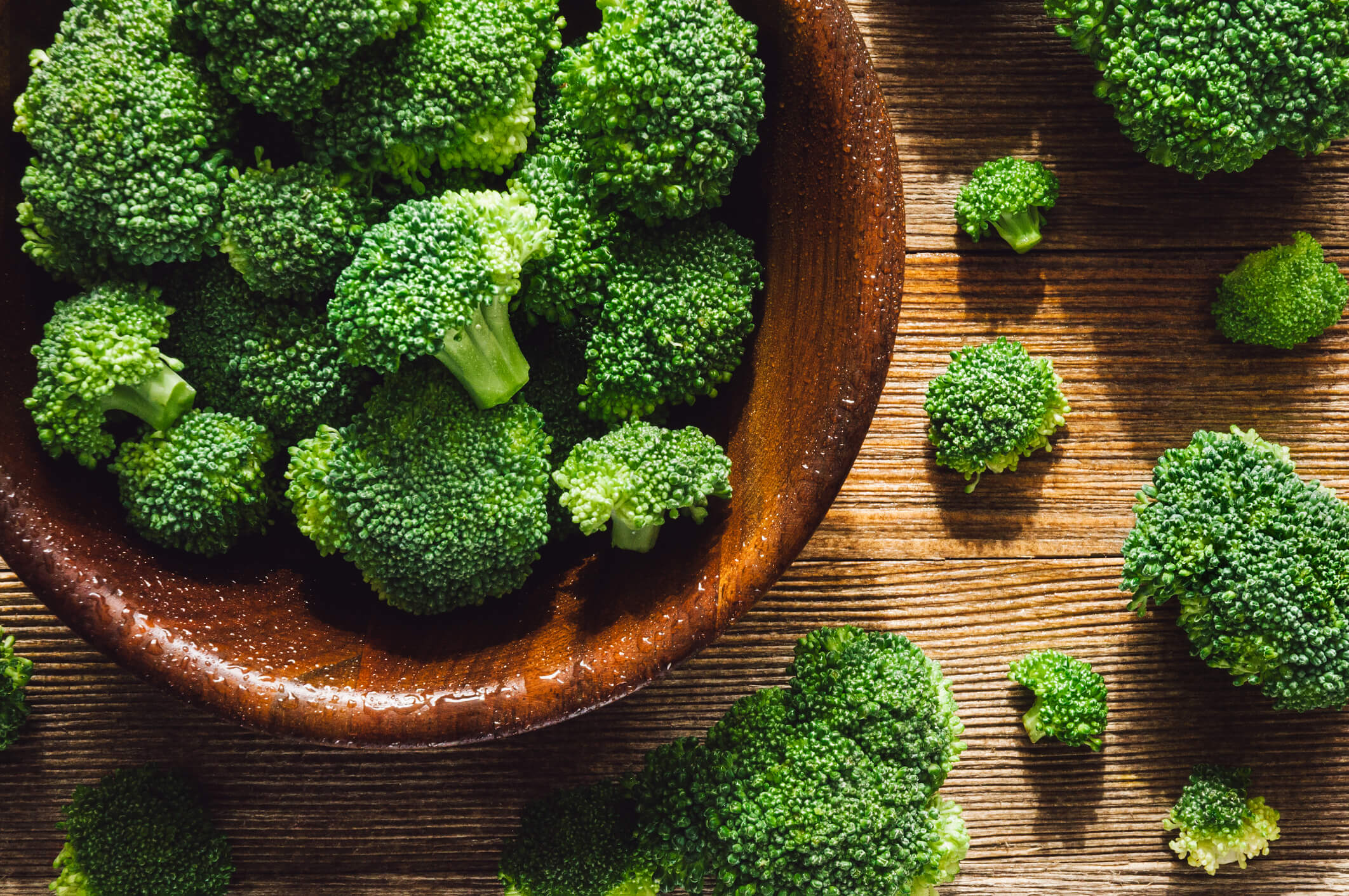 Spring vegetables and fruits: broccoli