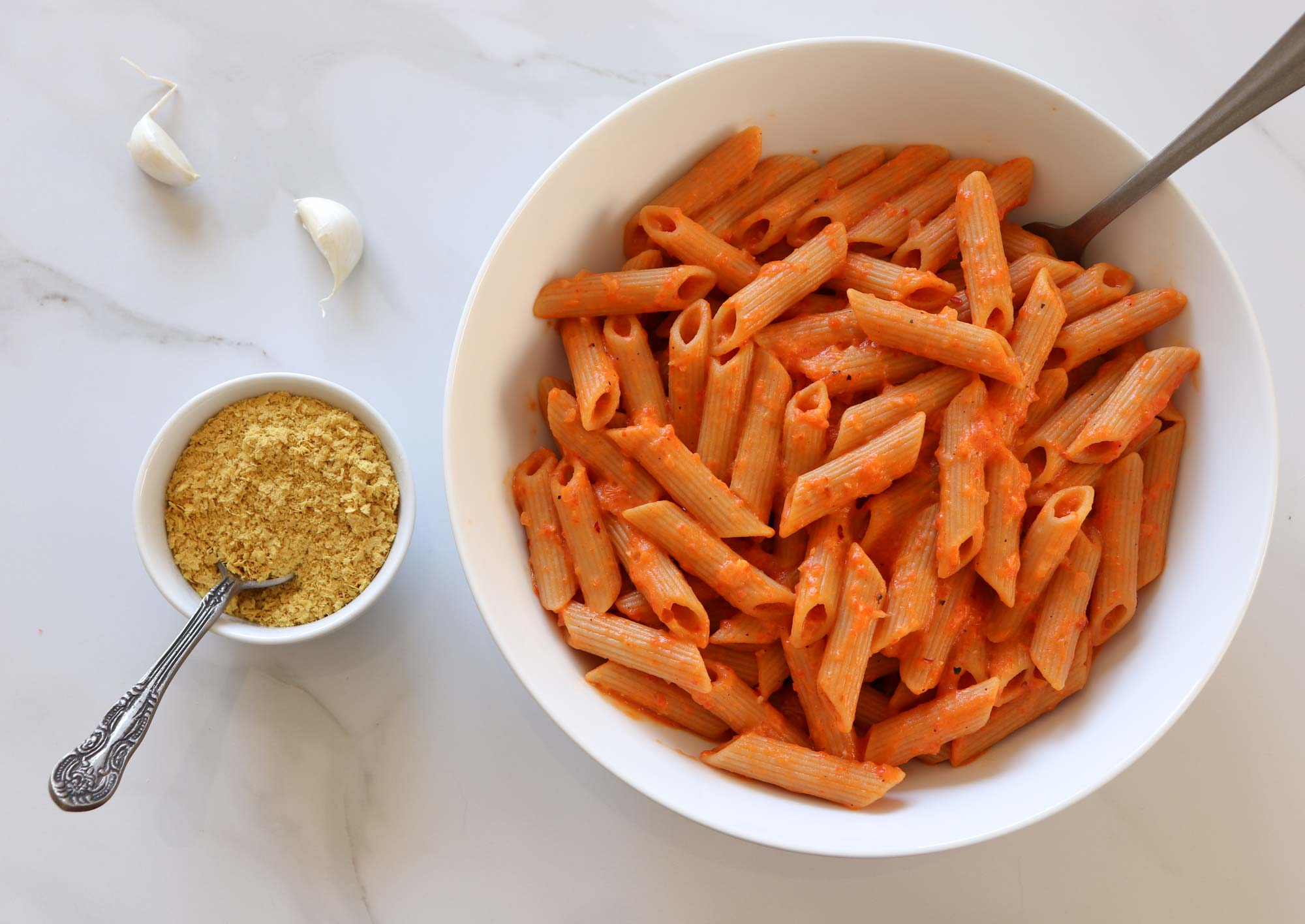 roasted red pepper pasta in bowl